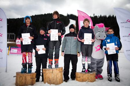 Andrzej Bachleda Curus Jr. w towarzystwie zwycięzców TAURON Energy Ski Cup (fot. Tomek Gola)