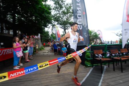 Maraton Gór Stołowych 2012 - Paweł Krawczyk na mecie  (fot. Monika Strojny)