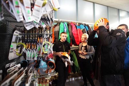 Kiermasz odzieży i sprzętu outdoorowego na 10. KFG – stoisko sklepu Alpamayo (fot. Adam Kokot/KFG)