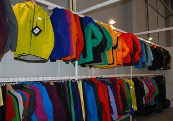 Targi Kielce Sport-Zima 2011, radosne barwy w kolekcji marki Arcteryx (fot. 4outdoor.pl)