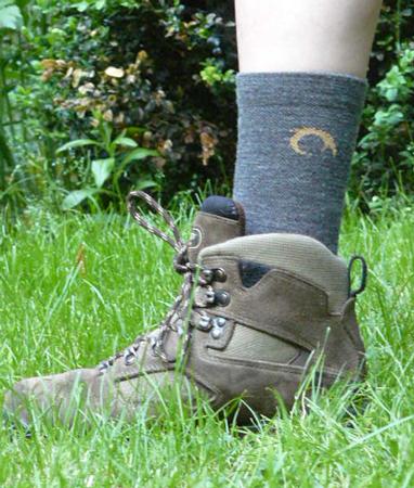 Skarpeta Agres marki Lurbel dobrze sprawdza się przy wysokich butach trekkingowych