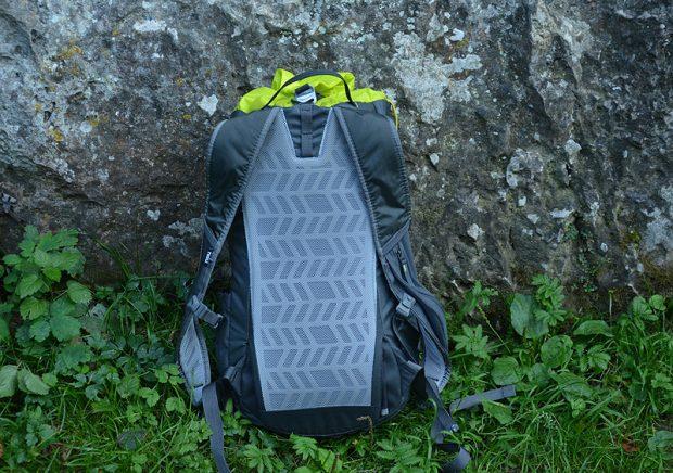 Tył plecaka