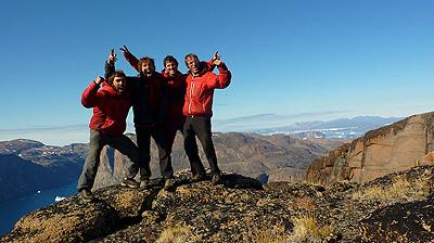 Zespół w komplecie, braciom Favresse i Villanueva towarzyszył na Grenlandii Ben Ditto (fot. www.nicolasfavresse.com)