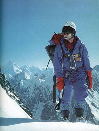 1984 rok - Wojtek Kurtyka w drodze na Broad Peak (fot. Jerzy Kukuczka)