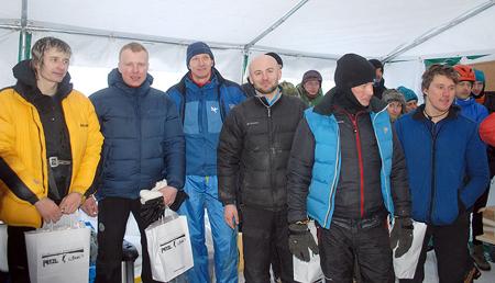 Zwycięzcy zawodów, od lewej: Paweł Olendzki i Marcin Karda (2. miejsce), Andrzej Marcisz i Daniel Piskorz (1. miejsce) oraz Tome