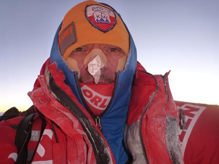 Wyprawa na Broad Peak: Artur Małek na szczycie (fot. Artur Małek)