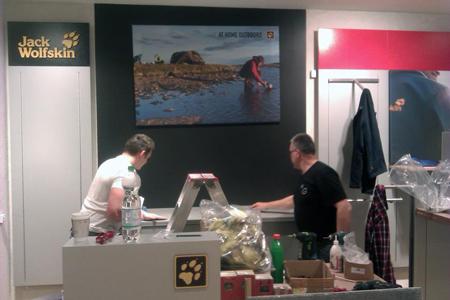 Przygotowania do otwarcia nowego sklepu Jack Wolfskin w Galerii Łódzkiej (fot. Jack Wolfskin)