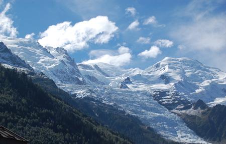 The North Face® Ultra-Trail du Mont-Blanc® 2012 - Mont Blanc w niedzielne przedpołudnie (fot. 4outdoor.pl)