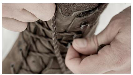 Hanwag radzi jak sznurować buty