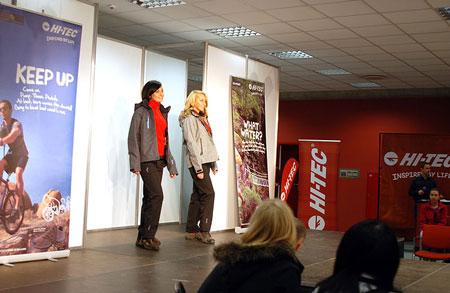 Modelki prezentujące kolekcje Hi-Tec (4outdoor.pl)