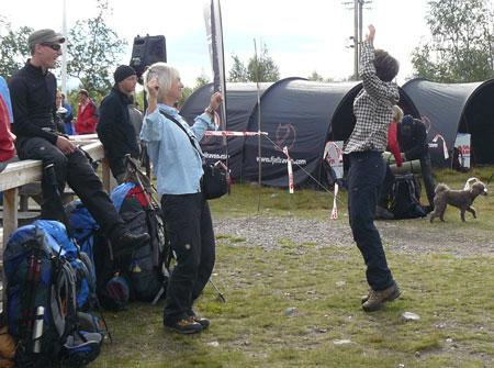 Radosny taniec przed startem (fot. Aneta Żukowska)
