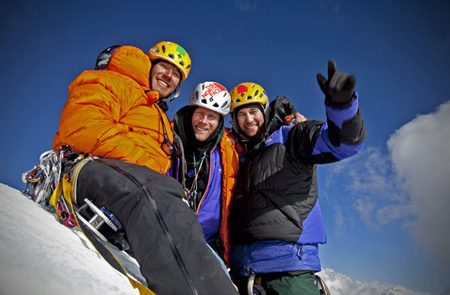 Na szczycie Meru Peak, od lewej: Jimmy Chin, Conrad Anker i Renan Ozturk  (fot. Jimmy Chin / The North Face)