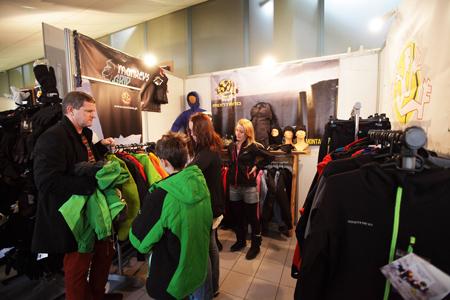 Kiermasz odzieży i sprzętu outdoorowego na 10. KFG – stoisko marek Monkey's Grip i Montano (fot. Adam Kokot/KFG)