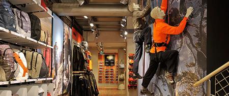 Jack Wolfskin - wnętrze sklepu zaaranżowane przez firmę PPM (fot. PPM)
