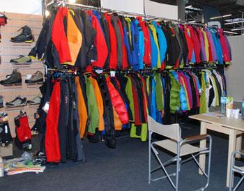 Targi Kielce Sport-Zima 2011, kolorowe stoisko marki Millet (fot. 4outdoor.pl)