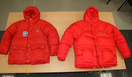 33-letnia kurtka Expedition Down Jacket (z lewej) i jej nowy model (z prawej)