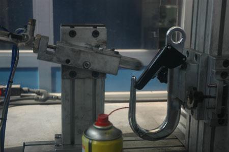 Testowanie zamków...tysiące razy (fot. Snap)