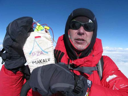 Lider na szczycie Makalu (fot. A. Bielecki)