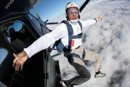 Simone Moro - skoczek spadochronowy (fot. simonemoro.com)