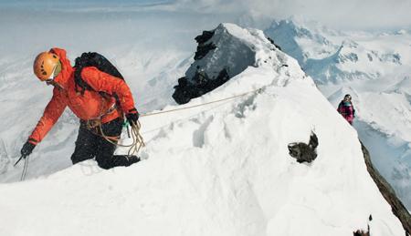 Denise i Michi wspinają się na Matterhornie (4477 m n.p.m.) granią Furggen