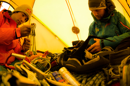 David i Peter na Cerro Torre (fot. Corey Rich/Red Bull)