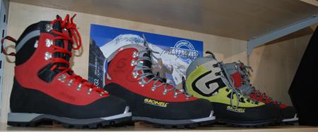 Targi Kielce Sport-Zima 2012, buty marki Gronell (fot. 4outdoor.pl)