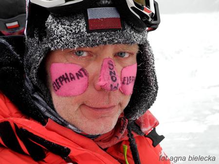 Wyprawa na Gasherbrum I - Artur Hajzer po zejściu do bazy (fot. Agna Bielecka)