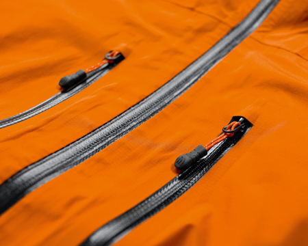 The North Face, kurtka Meru Gore Jacket - laserowo wycinane kieszenie