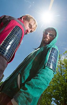 Projekt odzieży z panelami słonecznymi (fot. John Eisele, CSU)