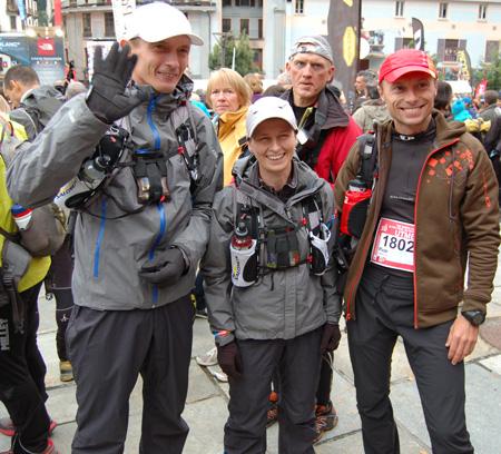 The North Face® Ultra-Trail du Mont-Blanc® 2012 - Paweł Dybek, Magda Łączak i Piotr Hercog przed startem 10. UTMB (fot. 4outdoor.pl)