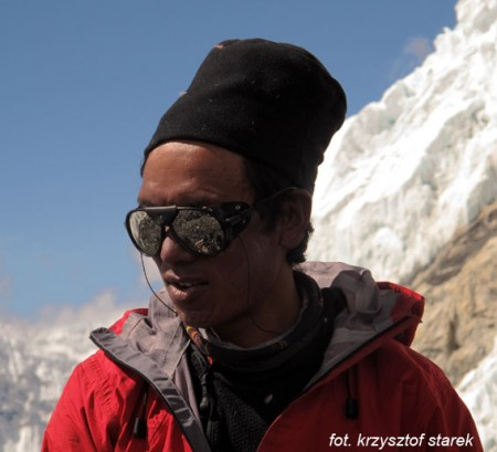Temba Sherpa w obozie drugim (fot. Krzysztof Starek)