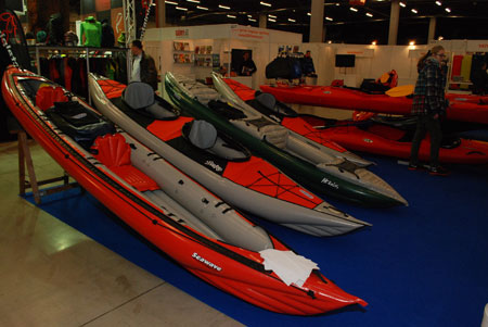 Targi Kielce Sport-Zima 2014 - salon sportów wodnych w hali D (fot. 4outdoor)