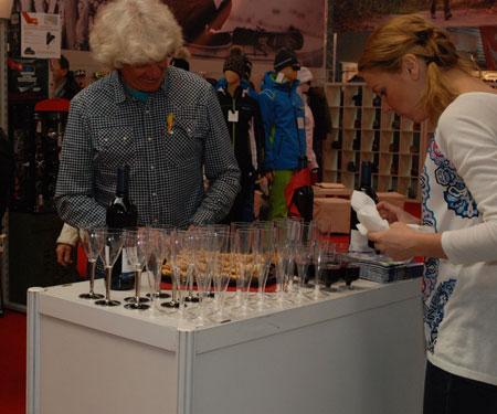 Targi Kielce Sport-Zima 2014 - wino i sery, czyli europejski targowy standard ;) (fot. 4outdoor)
