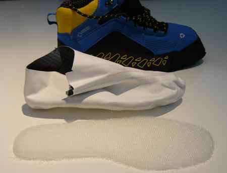 GORE-TEX SURROUND - kluczowe elementy konstrukcji buta: perforowana cholewka, skarpeta z laminatu, wkładka (fot. 4outdoor)