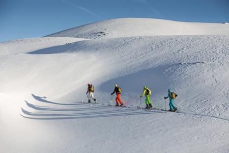 Przyjemność jazdy po dziewiczym śniegu (fot. Marmot)