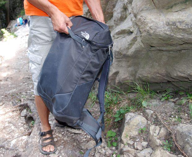 Cragaconda - uchwyt z przodu plecaka