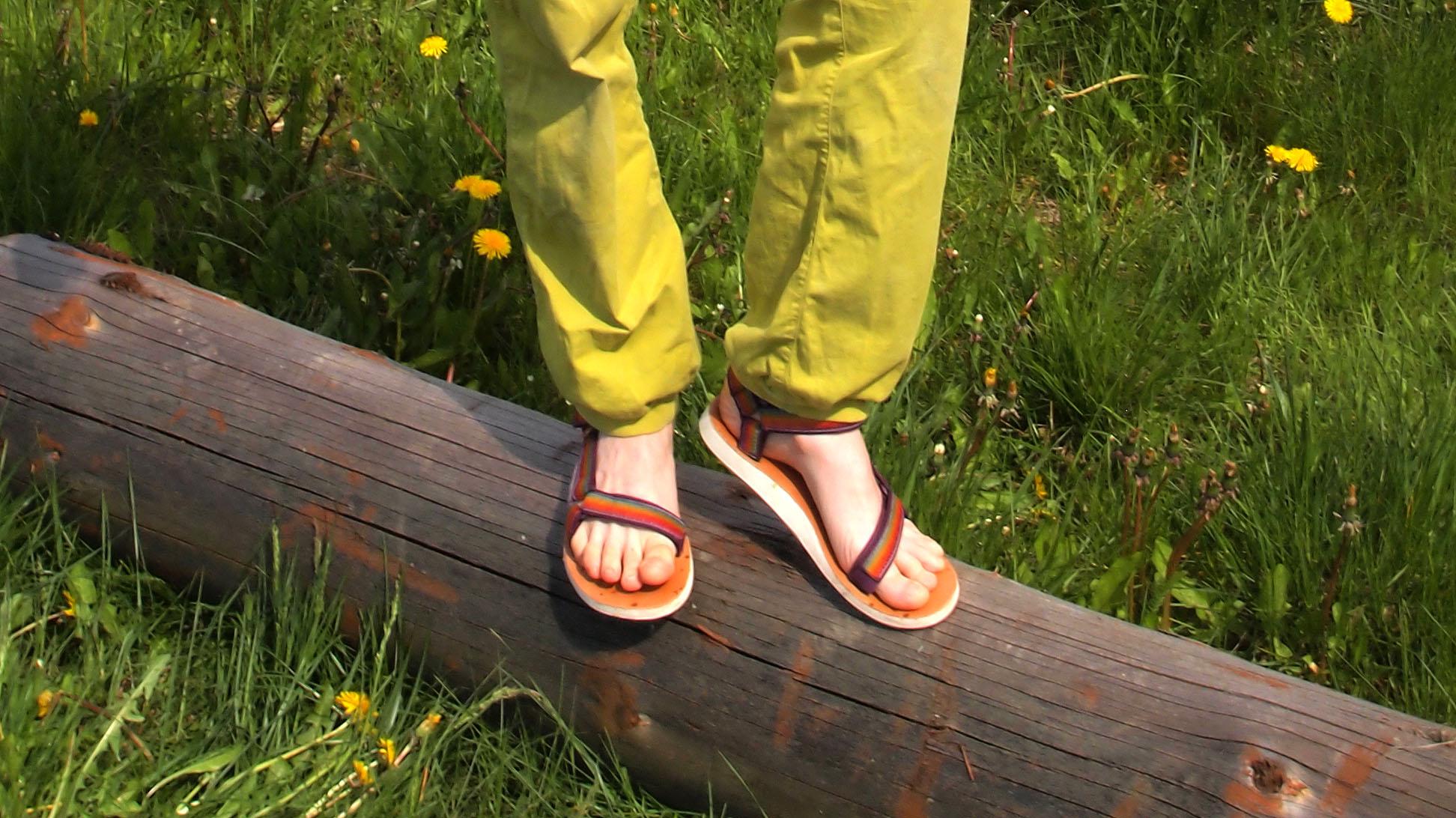 Test sandałów Teva Original Universal Ombre – kolory lata